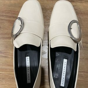 Creamy white flat loafer